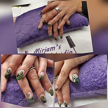 Kardashians, spiegelende nagels en ombre look Mirjam's Nagelstudio Beerta